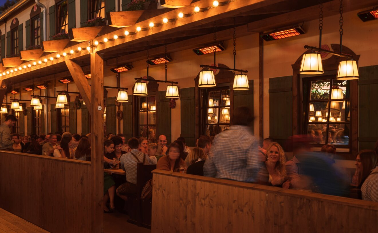 spot-2800w-radiant-heater-restaurant-02.jpg